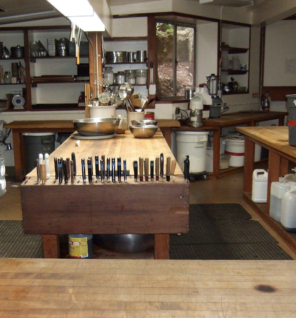 Kitchen_at_Green_Gulch_Farm2
