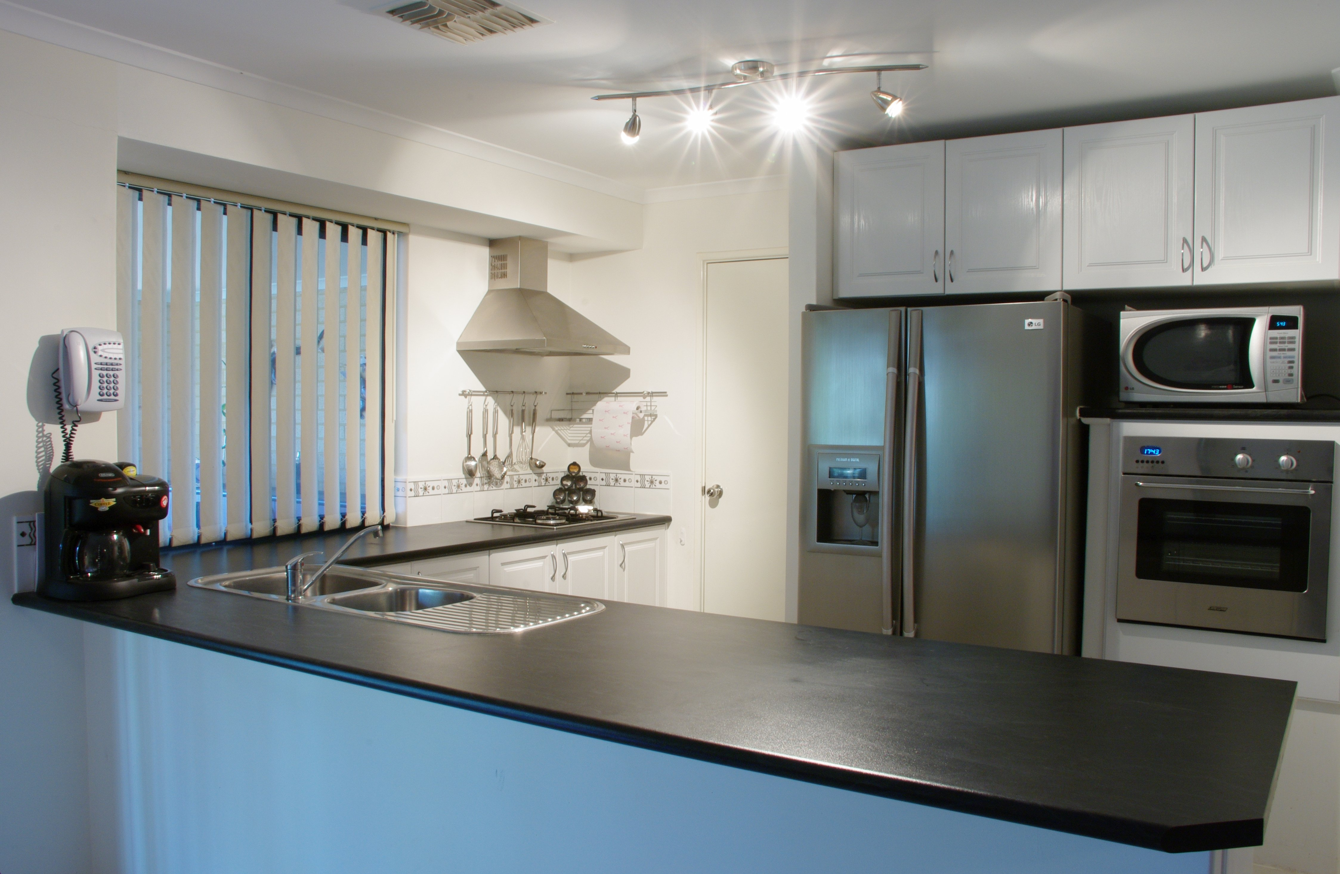 Modern_home_appliances