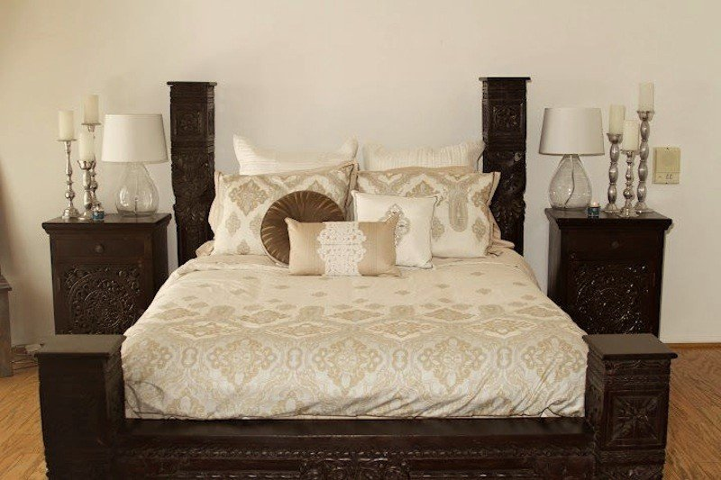 7 bedroom furniture essentials for comfortable sleeping for Bedroom furniture essentials