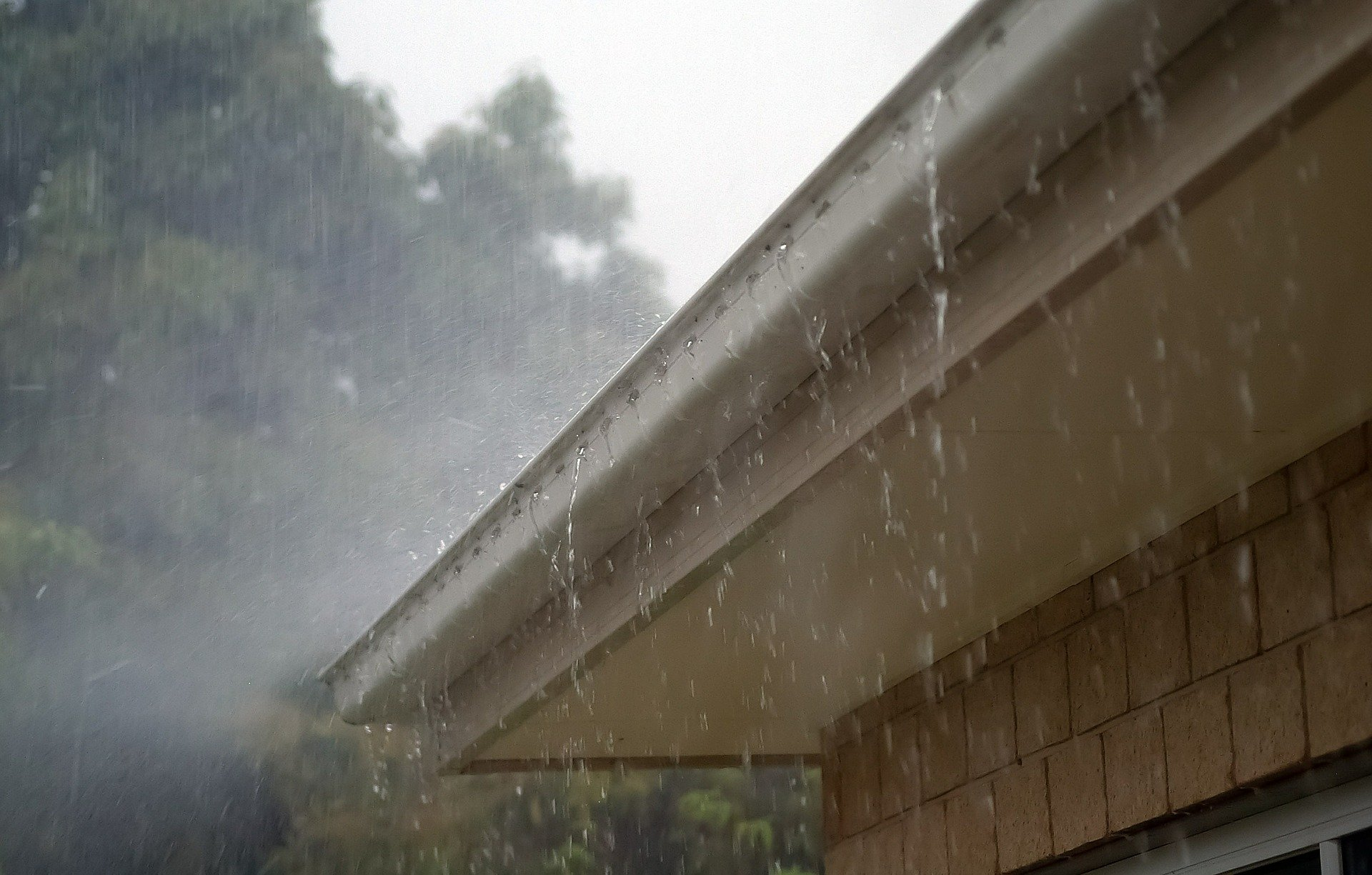 Tips for Fixing a Leaking Roof 3