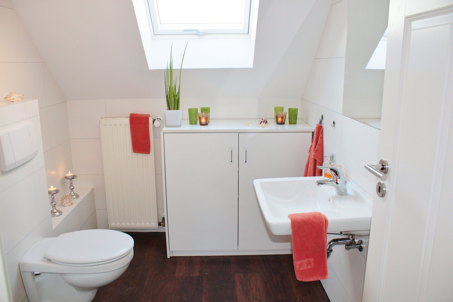 Tips on How to Spruce Up Your Small Bathroom 1