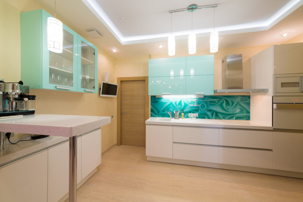 glass-cabinets-cleaning