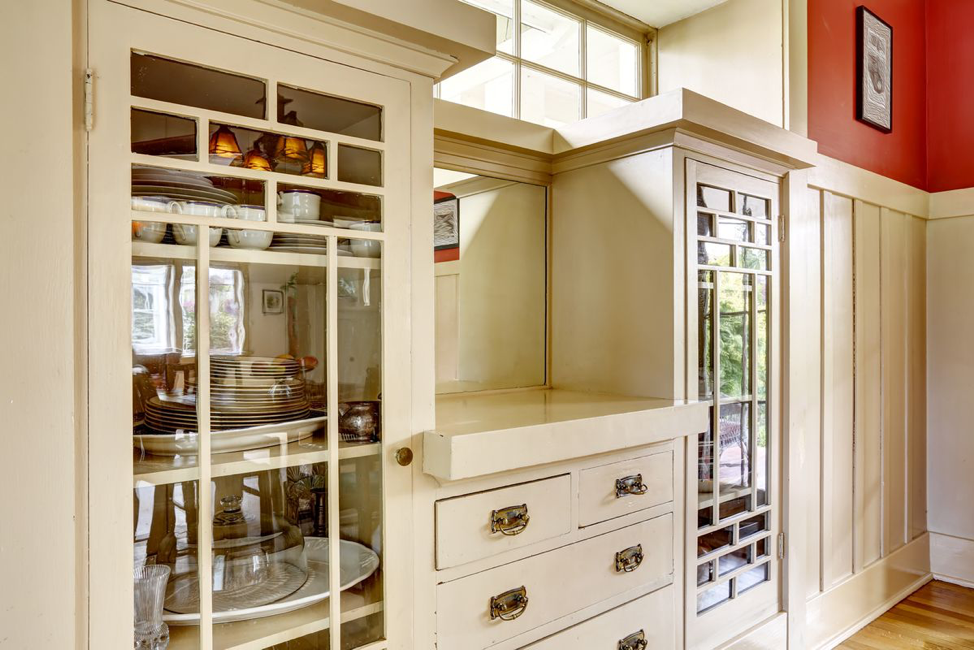 horizontal-vertical-glass-cabinets